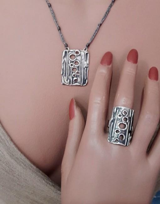 Ασημένιο σετ,κολιέ -δαχτυλίδι.