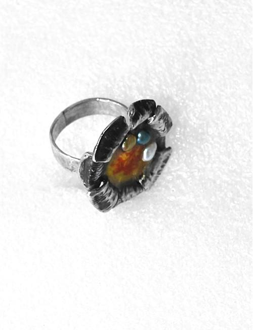 Ασημένιο δαχτυλίδι με σμάλτο και μαργαριτάρια