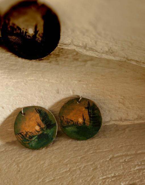 Δερμάτινα σκουλαρίκια.